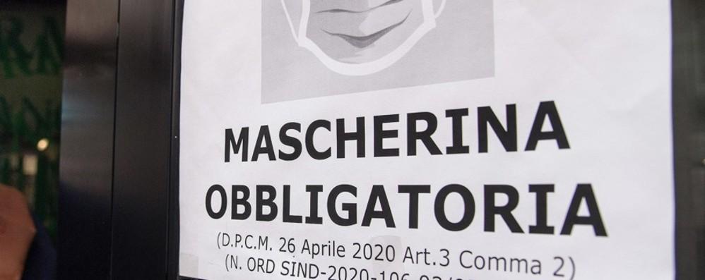 Senza mascherina in un locale  Carabinieri sanzionano due persone