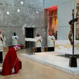 Parole e immagini del cammino di preghiera L'emozionante video del vescovo Beschi
