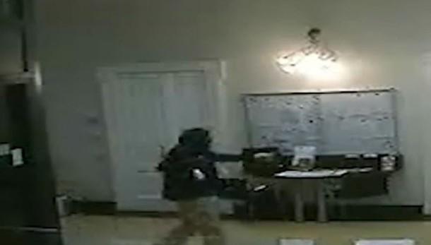 Rapina alla Bcc di via Partigiani Individuati gli autori, il video del colpo