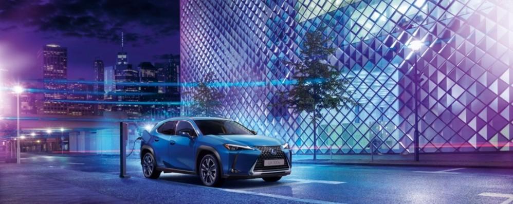 UX 300e: la prima full electric di Lexus