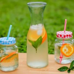 Fresche e gustose:  le acque aromatizzate