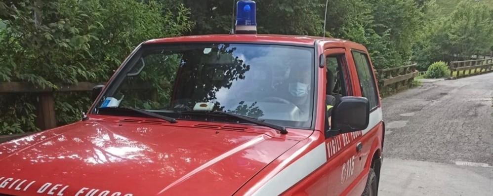 Si sono perse nella zona di Castione Vigili del fuoco recuperano tre ventenni