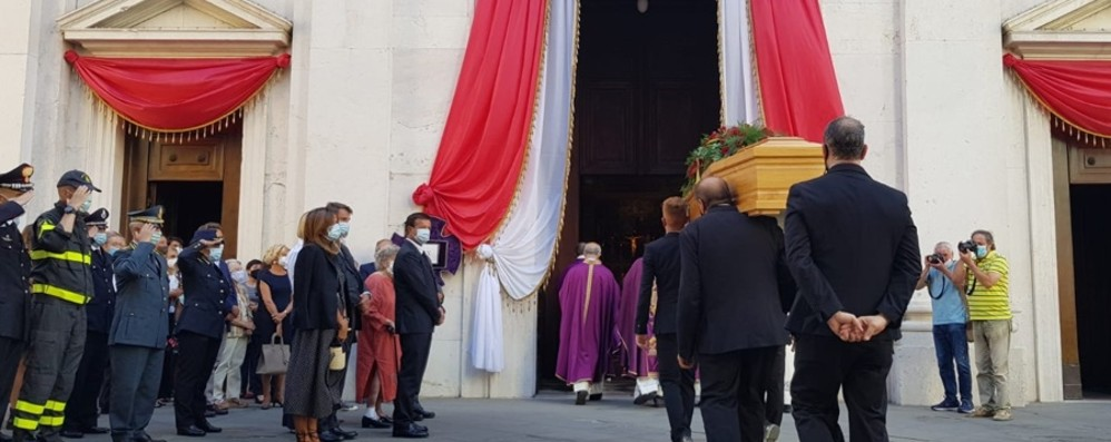 Il mondo politico e istituzionale a fianco del sindaco A Bergamo i funerali di Alberto Gori