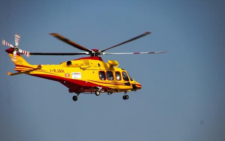 In bici cade dal ponte e finisce nel ruscello Vilminore, 50enne soccorso in elicottero