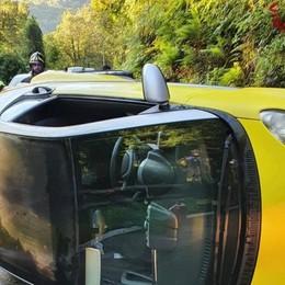 Orezzo, ribaltamento con l'auto Esce indenne un uomo di 55 anni
