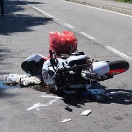 Schianto contro un'auto a Villa di Serio Grave una motociclista di 40 anni - Foto
