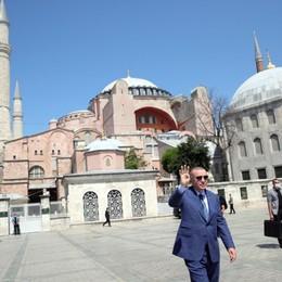 Turchia aggressiva nel silenzio