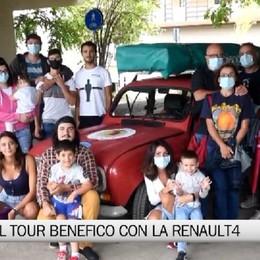 Chiuso il tour benefico in Renault4 di Sebastian e Yasmine