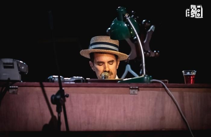 Lorenzo Kruger durante il concerto all'Edonè (Filagosto 2020)
