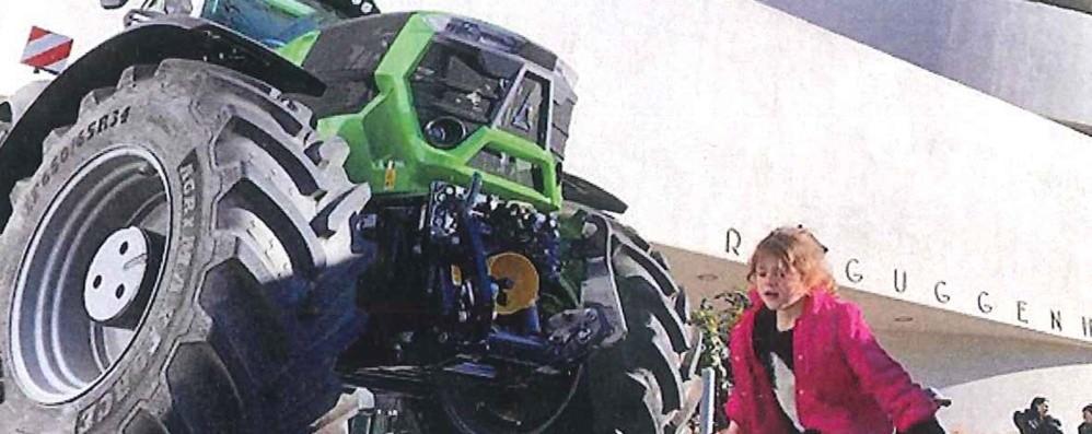 Al Guggenheim Museum sfila un trattore di Treviglio