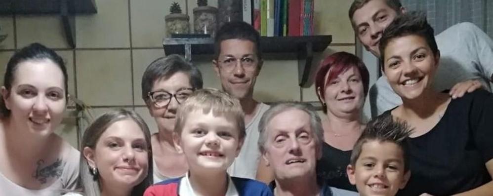 Cologno, l'incubo di Egidio è finito A casa dopo 4 mesi di ospedale