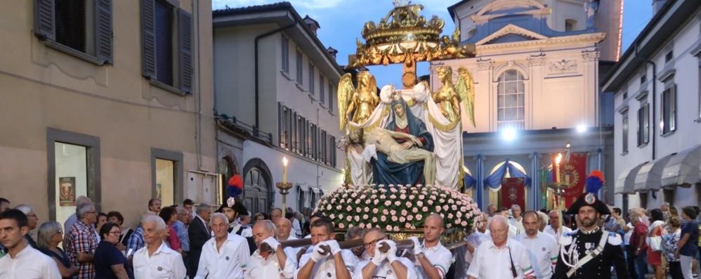 Bergamo, verso la festa dell'Apparizione  Il Vescovo affiderà la città «ferita» all'Addolorata