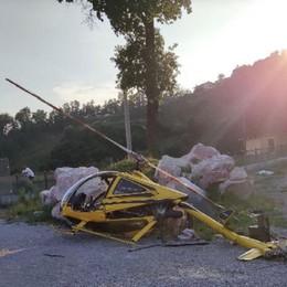 Cade elicottero monoposto in fase di decollo Palazzago, il pilota è illeso - Foto