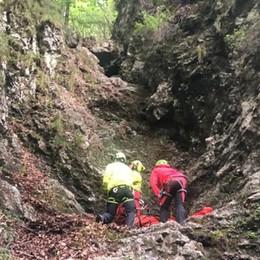 Cade per 30 metri in un canale Scout 21enne soccorso a Taleggio- Foto