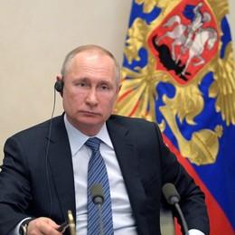 Coronavirus, registrato il primo vaccino Putin: «Testato anche su mia figlia»