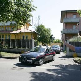 Entrano nella scuola e poi bivaccano Arrestata coppia di ladri a Capriate