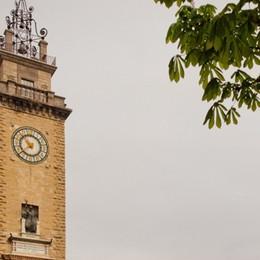 Torre dei Caduti, olio cola dalle ore  «Arriva dalle lancette, interverremo»