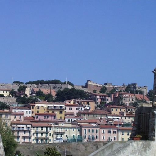 Un caso positivo all'isola d'Elba Segnalato come contatto dall'Ats di Bergamo