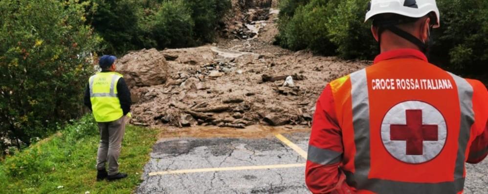 Colata di fango su un'auto, tragedia in Valtellina Tre morti e un bimbo di 5 anni grave