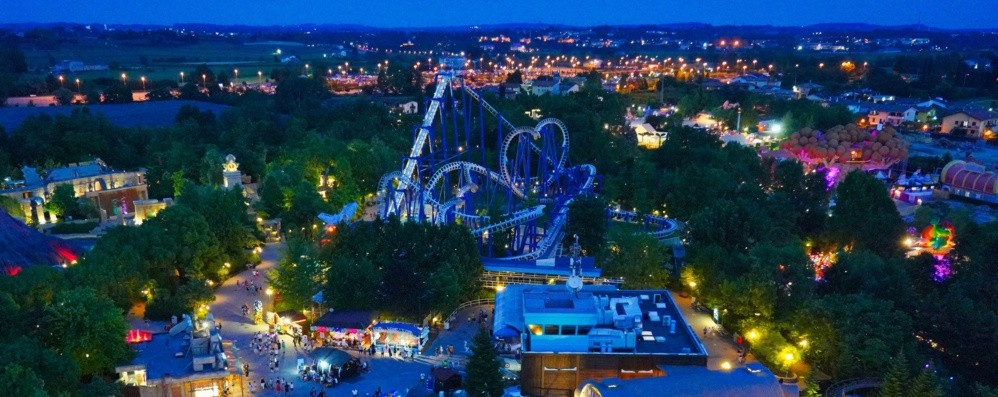 Gardaland by night Al sabato fino alle 22