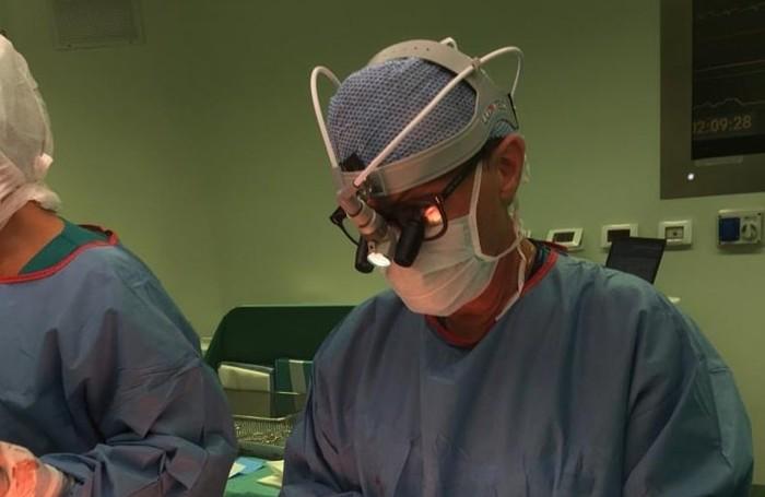 Amedeo Terzi attende la ripresa della funzione cardiaca del trapianto numero 1000 avvenuta alle 9.15 del 19 settembre 2020