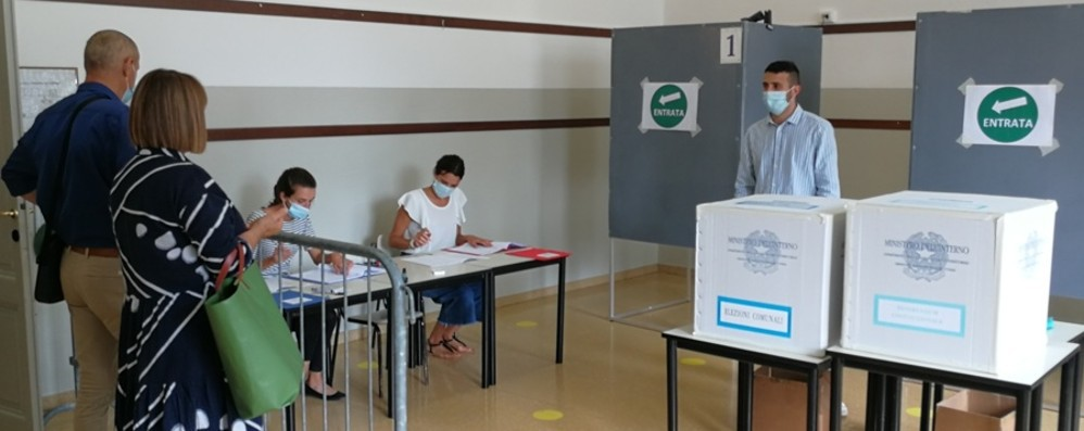 Oggi i risultati dei 13 Comuni al voto A Cividate il top dell'affluenza: 75%