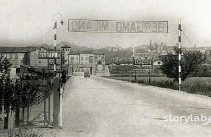 Via Autostrada nel 1928 circa