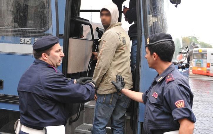 Solidarietà al contrario nel piano migranti