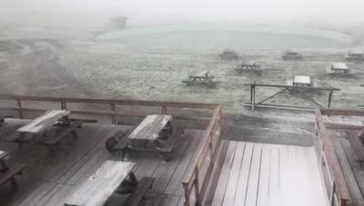 Spruzzata di neve al Monte Pora a quota 1600 metri
