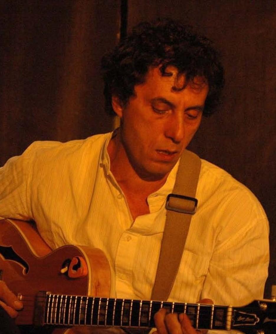 Il chitarrista Sandro Di Pisa