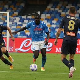 Covid, 14 casi nel Genoa e test al Napoli  Il campionato di Serie A col fiato sospeso