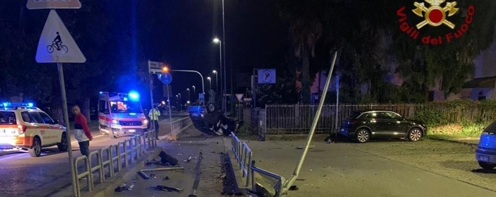 Incidente nella notte a Cologno al Serio Feriti due giovani: uno è in gravi condizioni