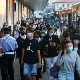 Le  restrizioni del nuovo decreto «Stretta su movida e mascherina all'aperto»