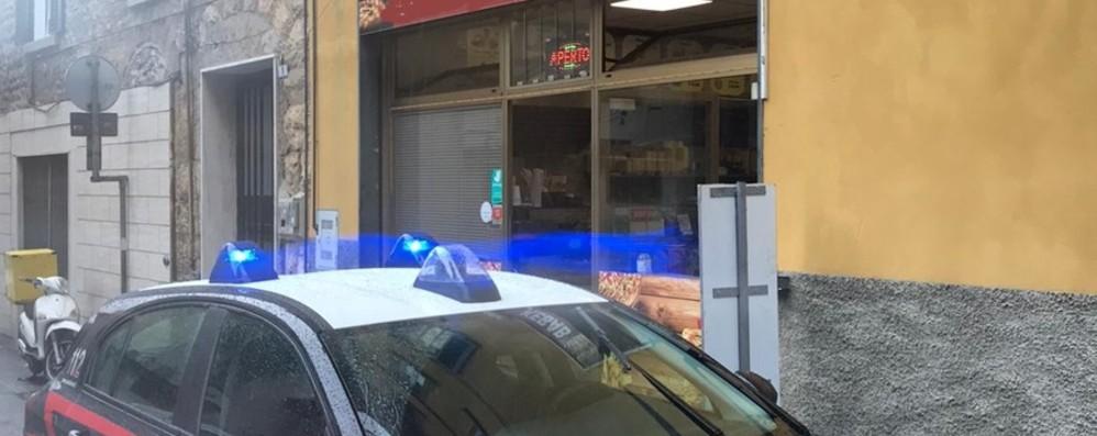 Rapina un kebab a Ponte San Pietro Inseguito prende a calci un dipendente