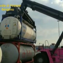 3.600 tonnellate di benzina di contrabbando Sgominata banda, evasi 2,8 milioni