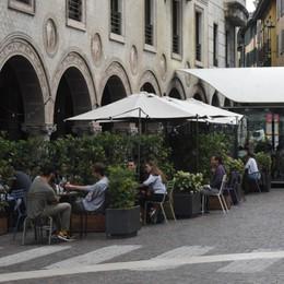 A Bergamo duecento dehors «Sono un successo, resteranno»