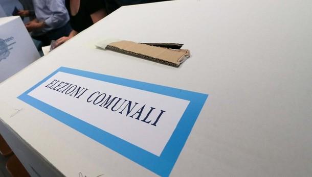 Elezioni e referendum, tutte le novità Regole anti Covid e voto da casa