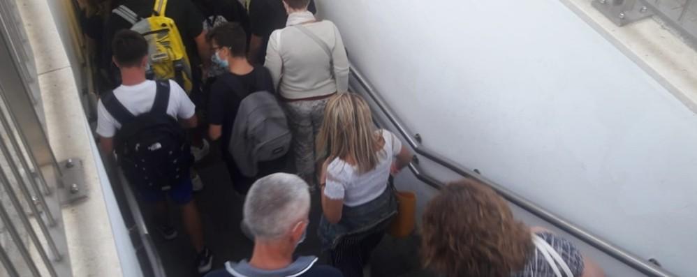 Scuola, flussi in aumento nel sottopasso  La situazione rimane sotto controllo