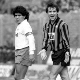 Una foto, un racconto. Prandelli incollato a Maradona, e un pensiero sul senso dell'impegno. Che  è sempre una vittoria