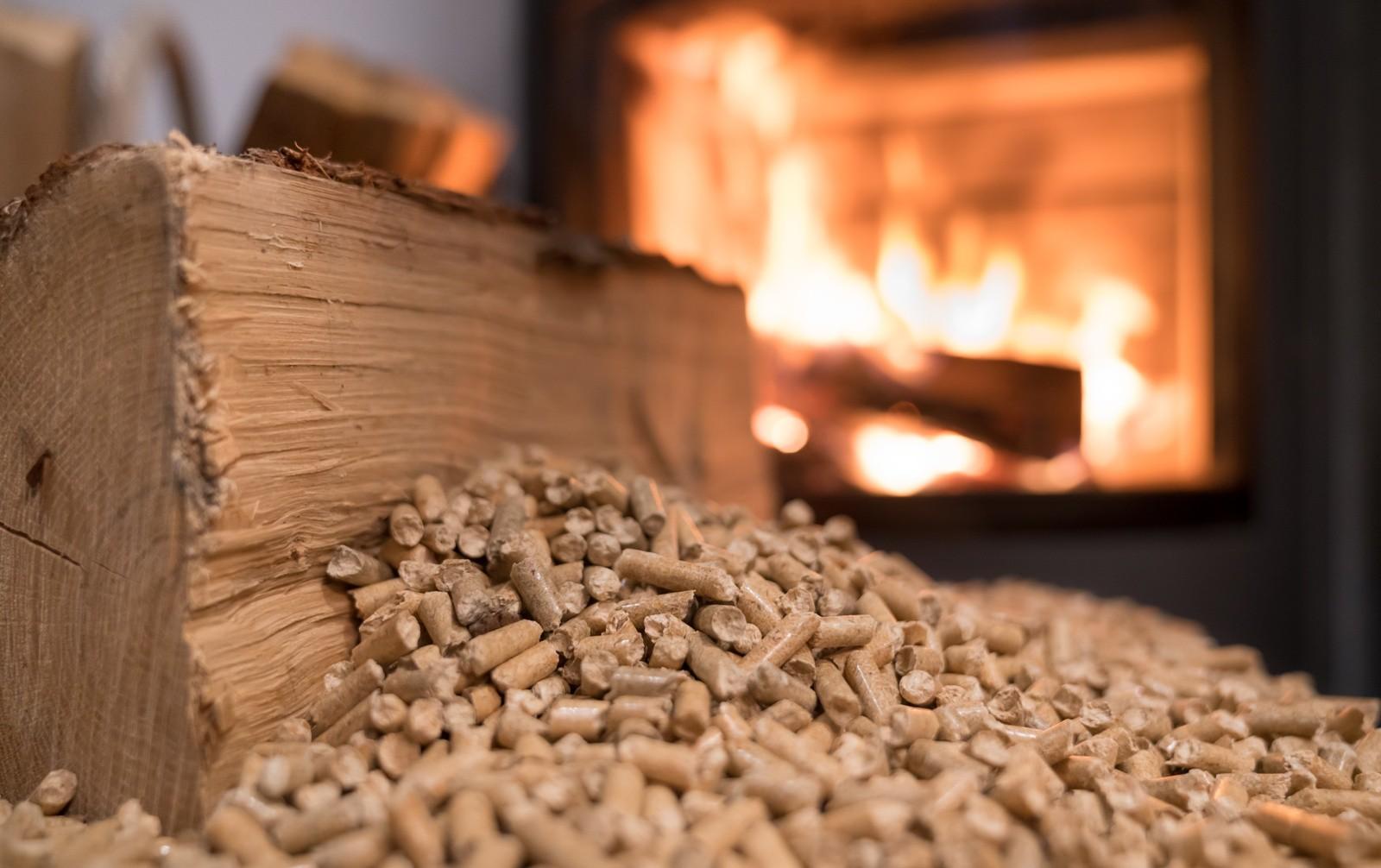 Bonus 110% ammesso anche per la  stufa a pellet  e scaldabagno a pompa di calore