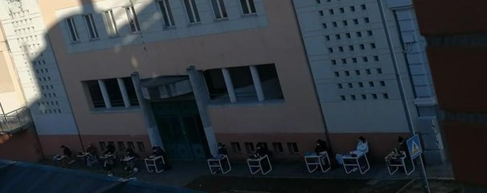 Dopo il Liceo Sarpi anche il Mascheroni Avanti con la protesta fuori dalle scuole