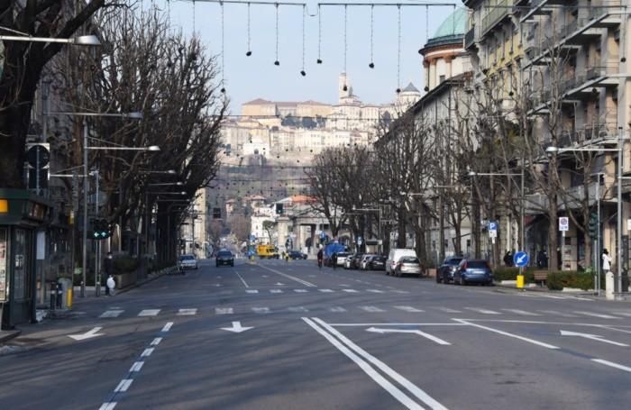 Traffico inesistente domenica mattina 17 gennaio in centro a Bergamo