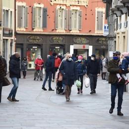 Bergamo e la zona rossa - Foto Poche persone in centro e in Città Alta