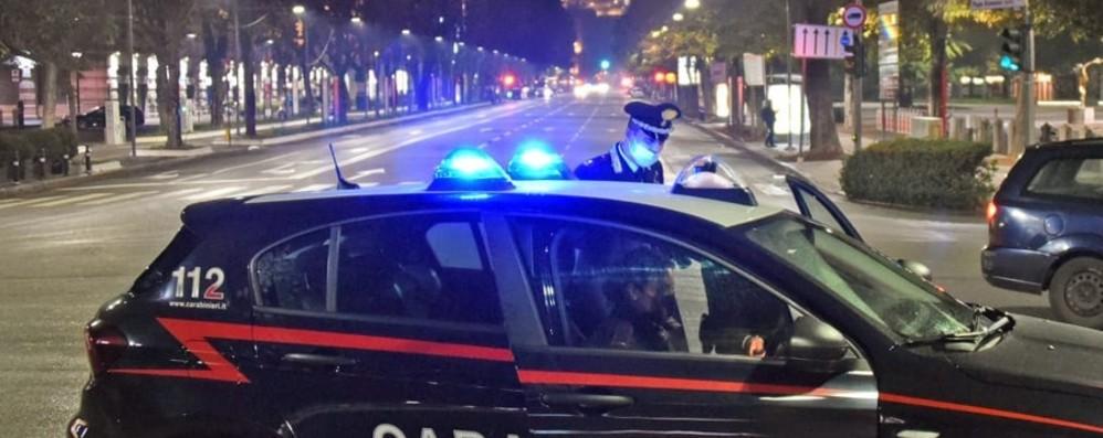 Bergamo, fermato alle 3 di notte in centro  Era ai domiciliari, dà false generalità: preso