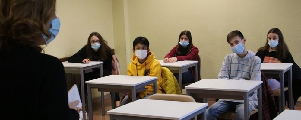 Ritorno in classe per 70 mila studenti In aula al 50% a Bergamo - Foto