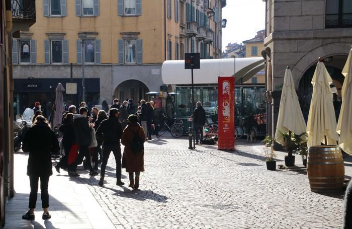 Nella zona di via Sant'Alessandro, piazza Pontida, domenica 24 gennaio, la mattina