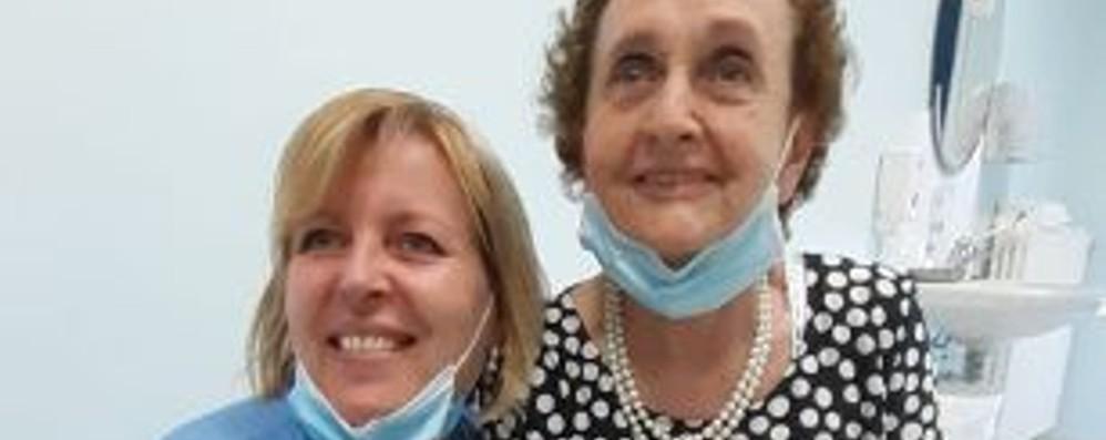 Over 85 oltre la bufera del virus «Salvi grazie al vicino medico»