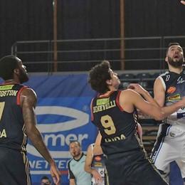 Basket A2, si accende la speranza Il primo successo galvanizza Bergamo