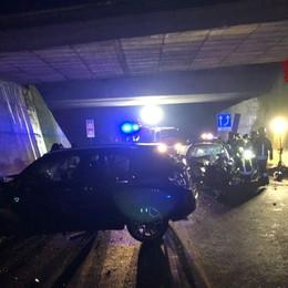 Frontale a Brusaporto sulla statale 42 Muore una donna di 44 anni, 4 feriti