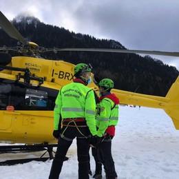 Marito e moglie muoiono in montagna Tragedia sul Monte Vareno: salva la figlia